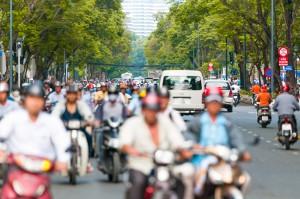 バイクと渋滞の多いアジア圏